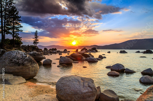 Wall mural Lake Tahoe at sunset