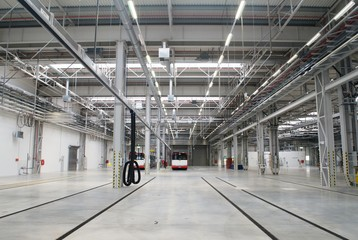 New depot hall for buses nearly empty