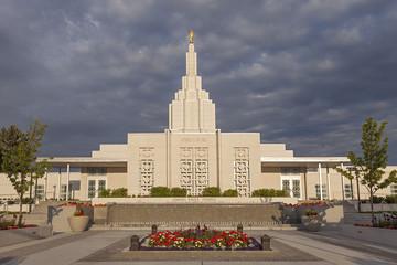 Mormon Temple in Idaho Falls, ID Wall mural