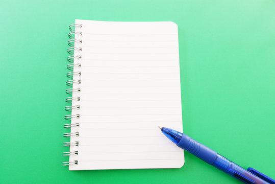 メモ帳とペン