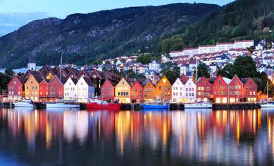 Obraz Bergen night view Cityscape reflection - fototapety do salonu