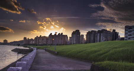 The sunset of Dazhi park.