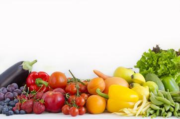 warzywa i owoce w kolorach tęczy