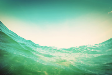 Autocollant pour porte Eau Water wave in the ocean. Underwater and blue sky. Vintage