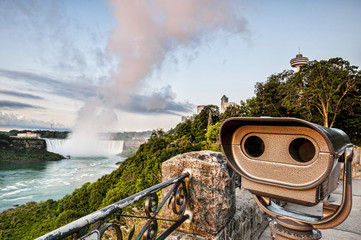 Viewing telescope and niagara falls