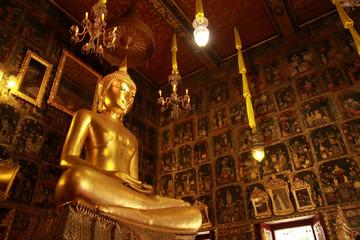 image of Buddha at rat-cha-o-rot temple