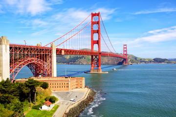 Deurstickers San Francisco Golden Gate Bridge and Fort Point, San Francisco, US