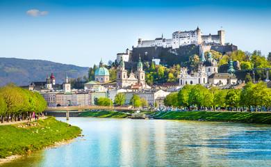 Salzburg skyline with river Salzach in springtime, Austria Fototapete