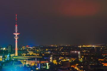 Hamburg bei Nacht von oben