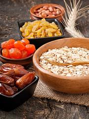 Oatmeal and dried fruits