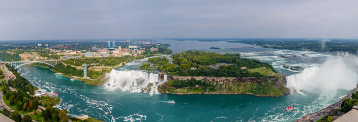 Amazing view of Niagara Falls