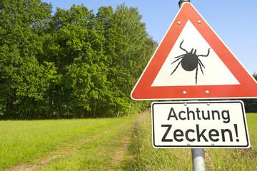 Achtung: Gefahr durch Zecken!