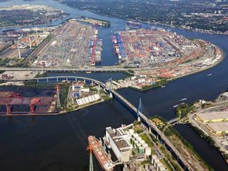 Hamburg, Köhlbrandbrücke und Containerhafen