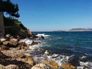 Rochers au bord de mer
