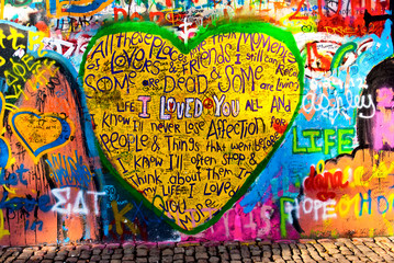 Foto auf Leinwand Graffiti graffiti of heart with inscription