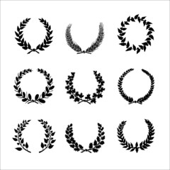 Circular laurel wrearhs