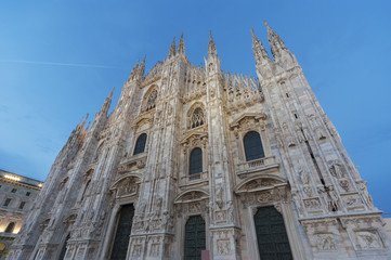 Fototapete - Milan Cathedral at dusk, Italy
