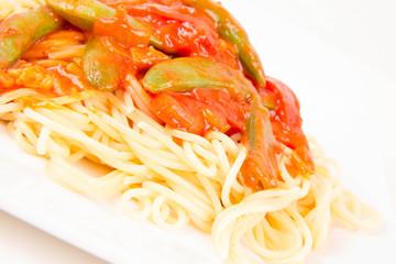 Spaghetti with pea and bacon sauce