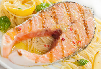 Grilled salmon cutlet with linguine pasta