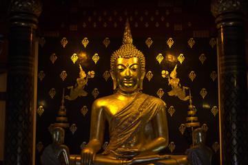 golden pra phutasinsri buddha statue image in Phisanulok Temple