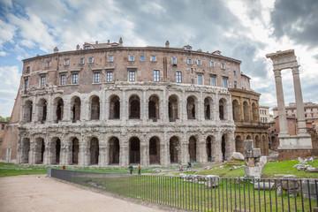 Rome : Théâtre de Marcellus et temple d'Apollon