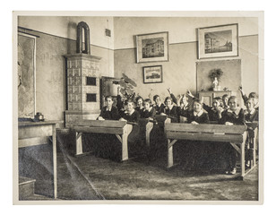 back to school. picture of classmates. children in classroom