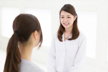 女医と患者