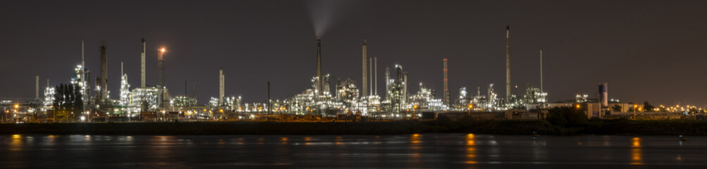 Petrochemical refinery in Botlek, Rotterdam