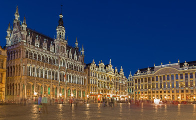 Foto op Plexiglas Brussel Brussels - Grote Markt square and Grand palace in evening.