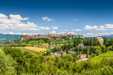 Historic town of Orvieto, Umbria, Italy Fototapete