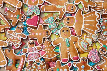 Bunte Lebkuchen zum Advent