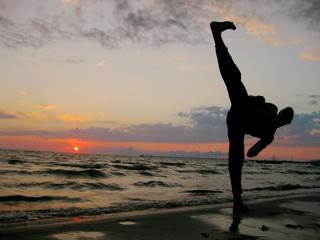calcio al tramonto