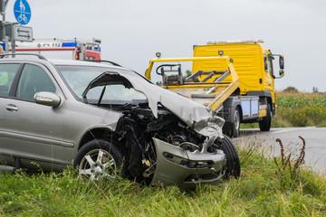Abschleppdienst an Unfallstelle - Verkehrsunfall