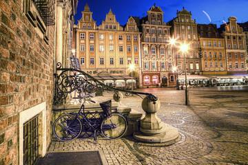 Obraz Wrocław Stare Miasto wieczorem - fototapety do salonu