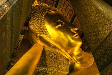 Golden Buddha image status in Wat Pho