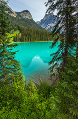 Emerald Lake mountain view canada