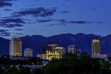 Fototapete - Skyline of Salt Lake City night