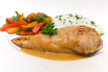 Hähnchenbrust-Filet mit Paprika und Reis
