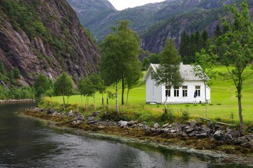 cabane sur le osterfjord