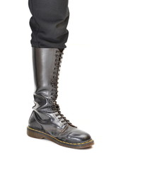 Knee-high 20 eyelet black lace-up boot