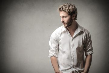 Handsome man looking away - fototapety na wymiar