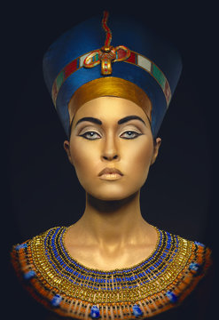 Beauty shot in Egyptian style