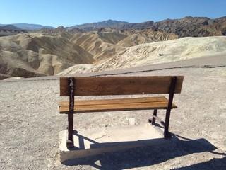 panchina nella valle della morte