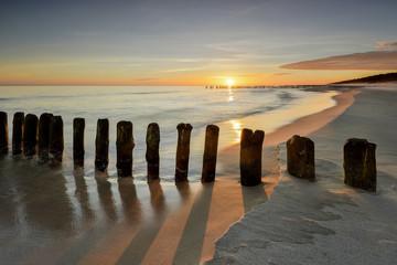 Fototapeta Morze,  plaża o wschodzie słońca