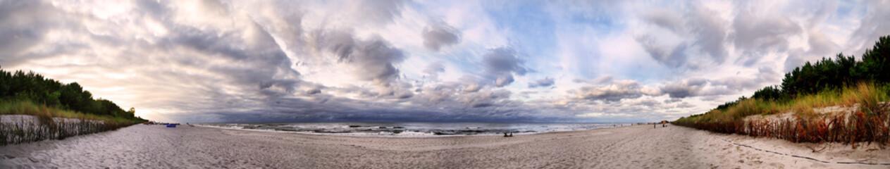 Polskie morze Bałtyckie - panorama