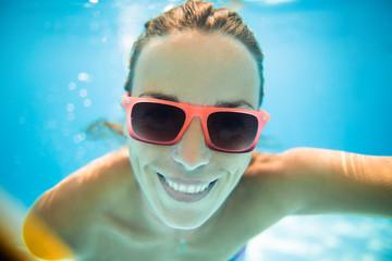 Grate photo underwater