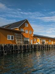 Wall Mural - Norwegia ,  Sakrisoy, przeetwórnia rybacka