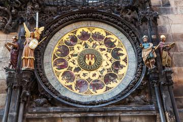 Fotomurales - astronomische Uhr am berühmten Rathausturm in Prag