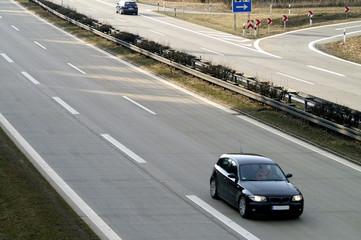 Fototapete - Fahrzeug auf der Autobahn
