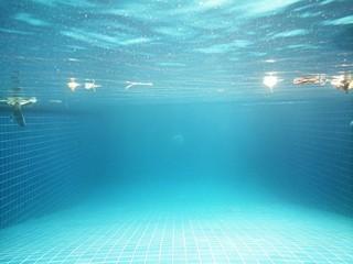 Underwater swimmingpool